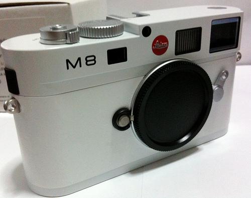 white-leica-m8.s-2