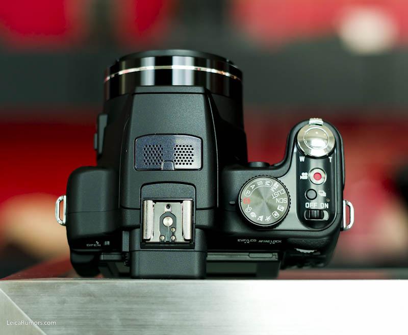 Leica V-Lux 2 controls (top)