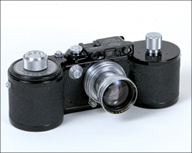 Lot 536: Leica 250 GG Reporter with 50 Summitar