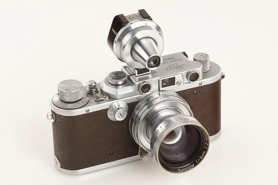 Alfred-Eisenstaedt-Leica-camera-2