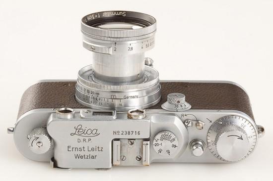 Alfred-Eisenstaedt-Leica-camera-3