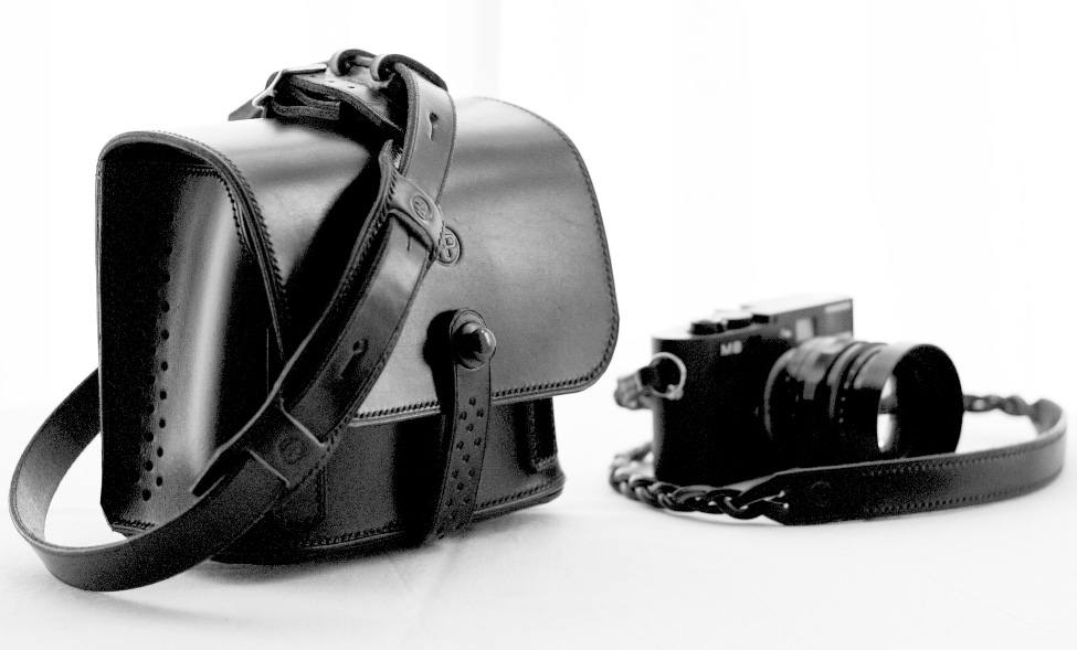 Fastandprime-Agent-86-camera-bag-for-Leica-7