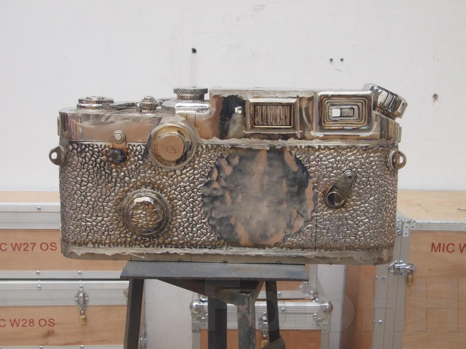 Fake Leica camera sculpture by Liao Yibai listed for sale 12