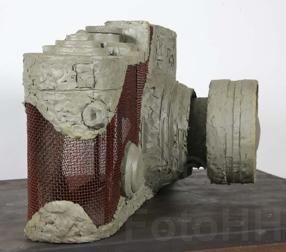 Fake Leica camera sculpture by Liao Yibai listed for sale 15