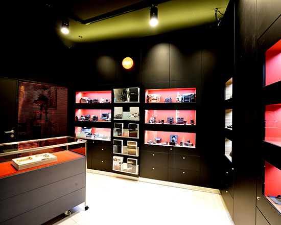 New-Leica-Boutique-opened-at-Casanova-Foto-in-Barcelona-2