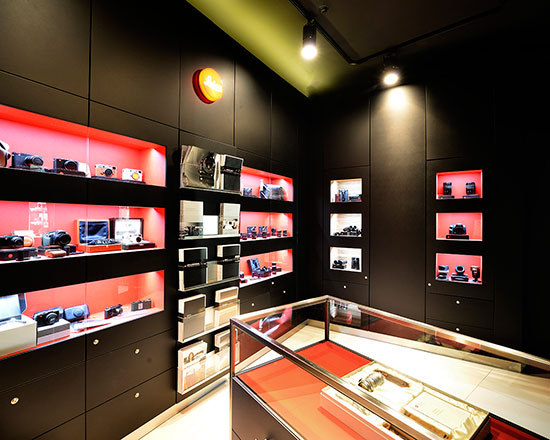 New-Leica-Boutique-opened-at-Casanova-Foto-in-Barcelona