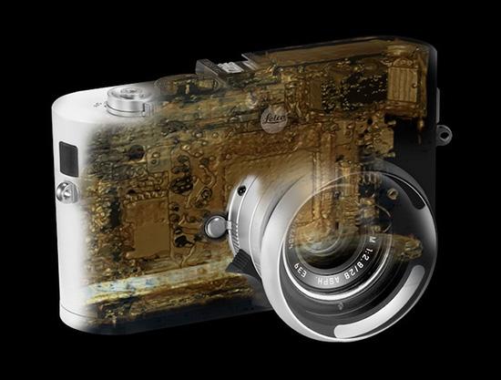 X-ray-image-of-Leica-rangefinder-camera