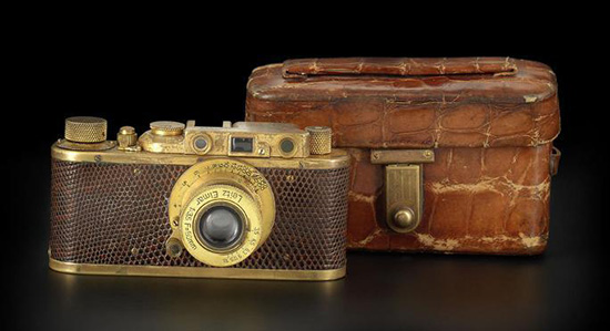 Leica-Luxus-II-gold-plated-camera