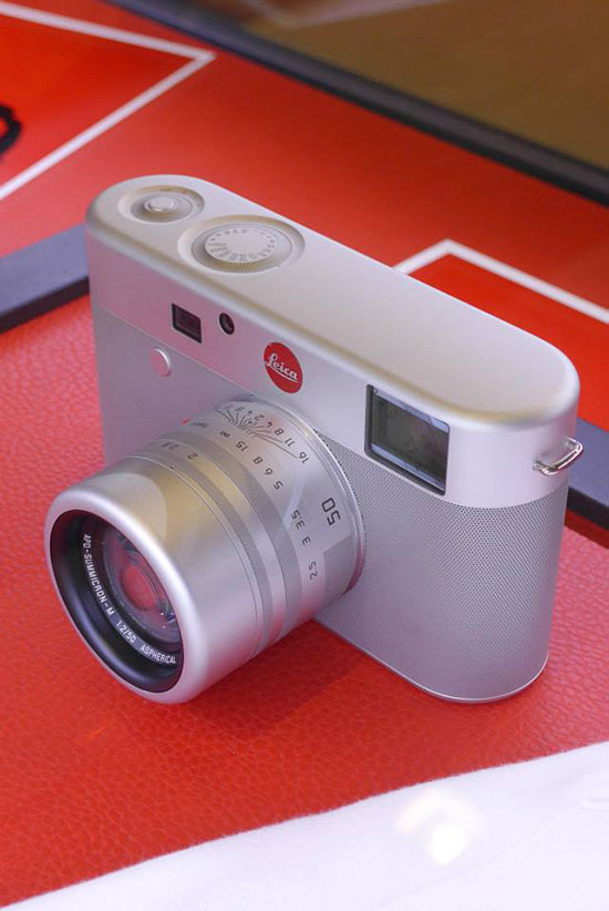Leica-M-(RED)-camera-2