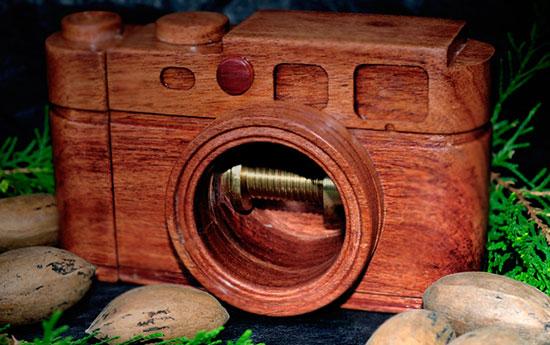 Walter-Leica-camera-nut-cracker