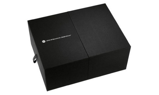 Leica-Monochrom-Ralph-Gibson-limited-edition-camera-box