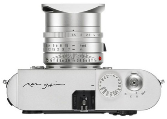 Leica-Monochrom-Ralph-Gibson-limited-edition-camera-top