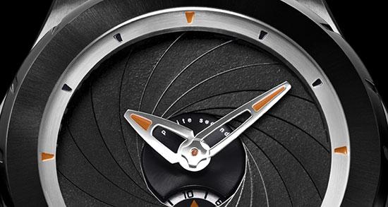 Valbray-Leica-aperture-watch