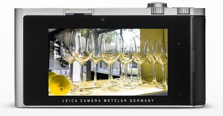Leica-T-type-701-mirrorless-camera-LCD-screen