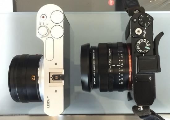 Leica T vs Sony RX1 size comparison1
