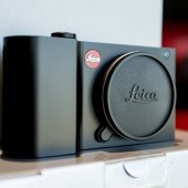 Leica-T-camera-black-2
