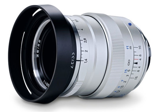 Zeiss-Distagon-T--1,435-ZM-lens-silver