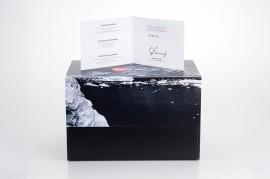 Leica-X-Edition-Moncler-camera-unboxing-6
