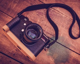J.B.-Camera-Designs-bamboo-grip-for-Leica-M240-camera