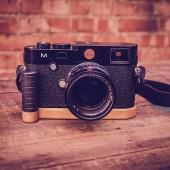 J.B.-Camera-Designs-bamboo-grip-for-Leica-M240-camera-3
