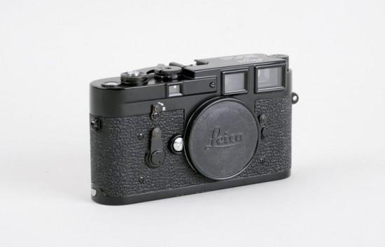 black Leica M3 camera