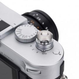Komaru titanium soft releases for Leica 9