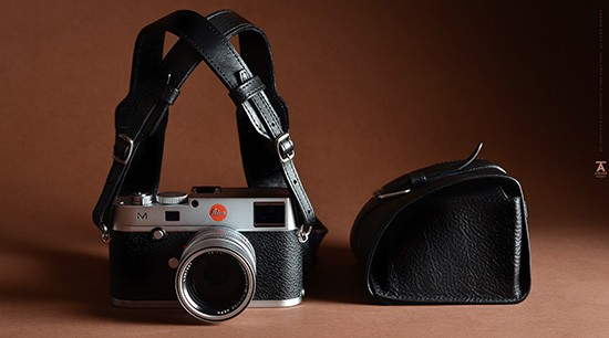 Leica-camera-case-and-strap-from-hardgraft