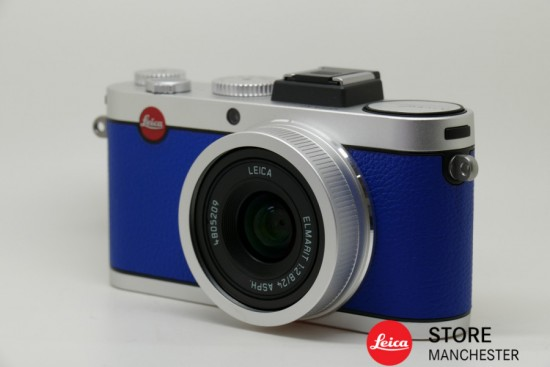 Leica-X2-à-la-carte-camera-engraved-with-Nick-Uts-signature-2