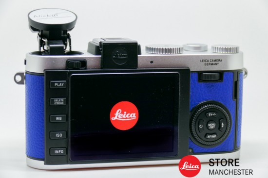 Leica-X2-à-la-carte-camera-engraved-with-Nick-Uts-signature