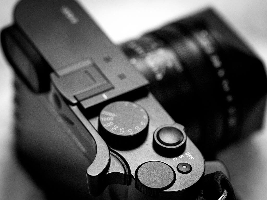 Match Technical Thumbs Up EP-SQ grip for Leica Q
