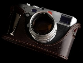 Angelo Pelle half case with metal grip for Leica M Typ 240 camera