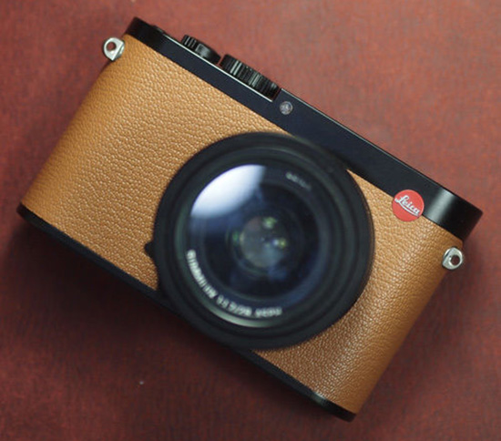 Arte-Di-Mano-leather-skin-for-Leica-Q-camera-1