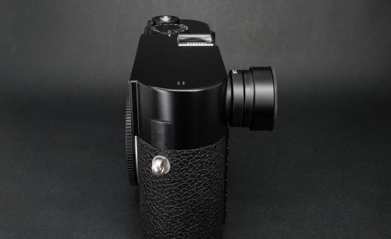 MGR adjustable viewfinder magnifiers for Leica M cameras