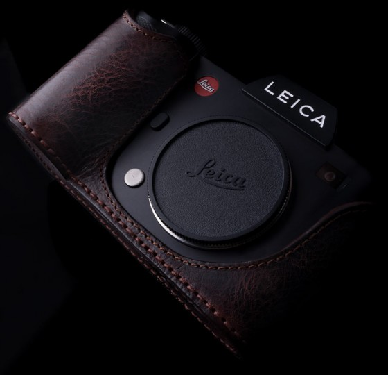 Angelo Pelle leather half case for Leica SL Typ 601 camera3