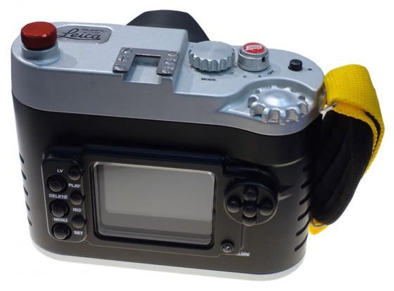 Leica-M-camera-underwater-housing-from-Subal
