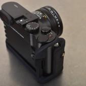 Leica Q multi-grip 2