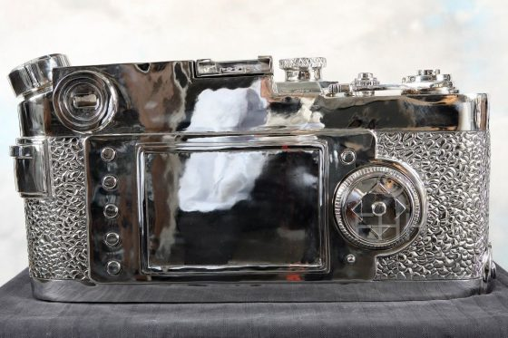 giant fake Leica sculpture by Liao Yibai 1