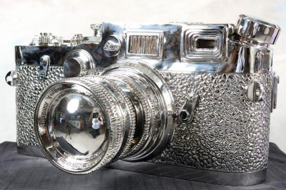 giant fake Leica sculpture by Liao Yibai 4