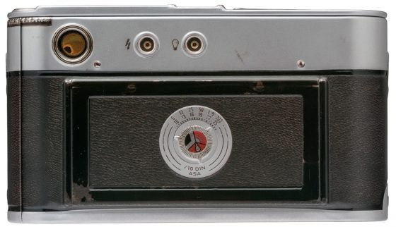 vintage-leica-m3-replica-camera-tin-back-view