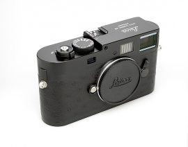 refurbished-leica-m9-p-camera-with-black-ostrich-leather3