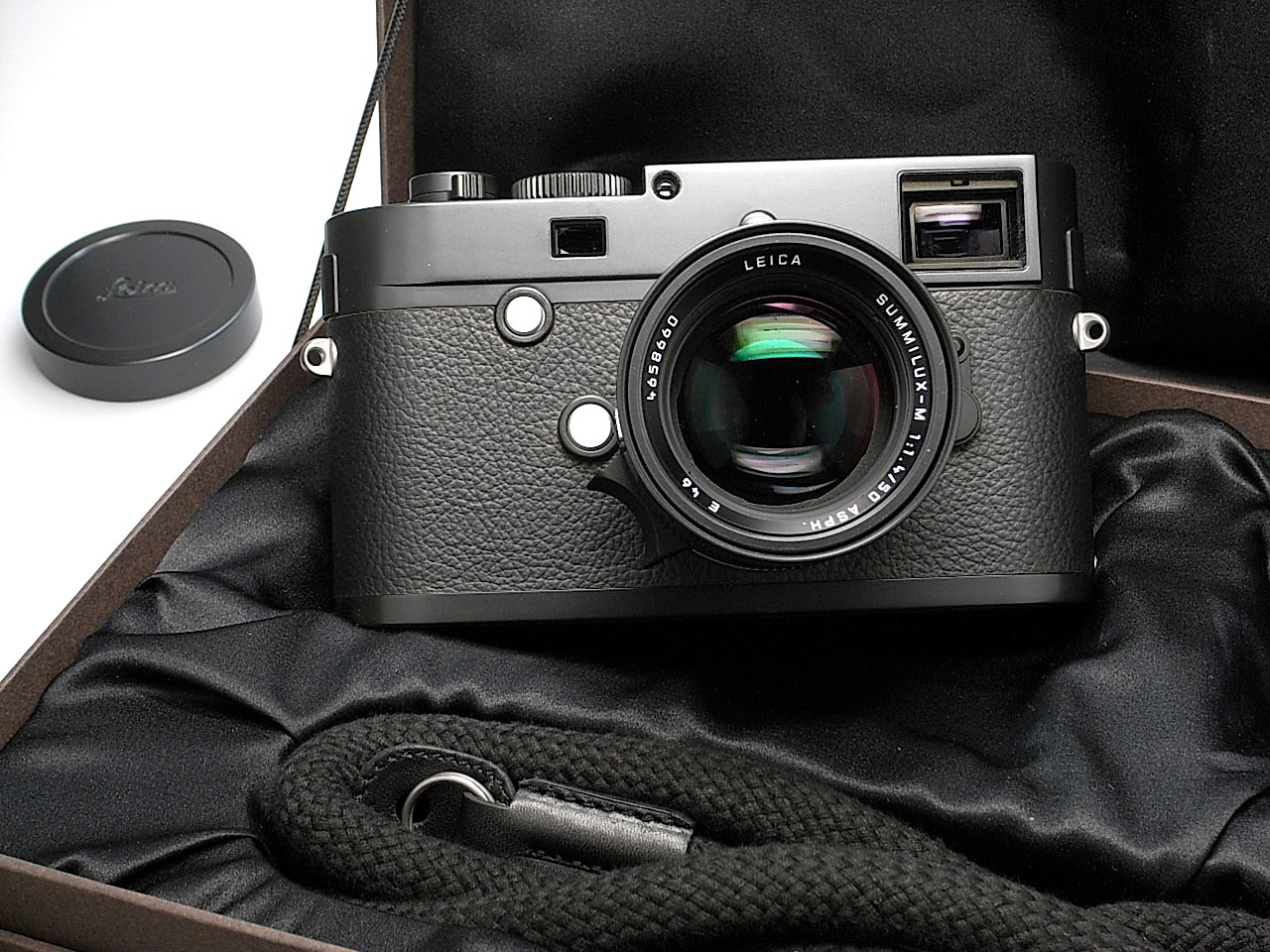 """Leica Monochrom """"Blue Stain"""" limited edition camera"""