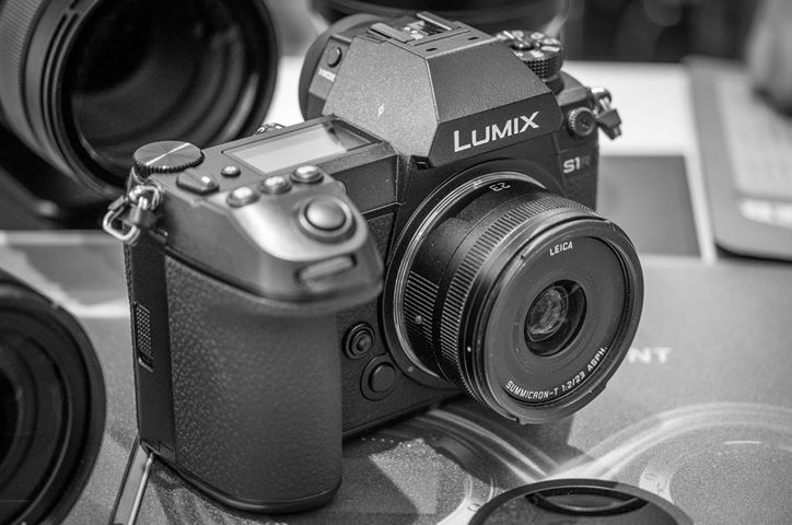 Using a Leica TL lens on the Panasonic S1R full-frame mirrorless camera