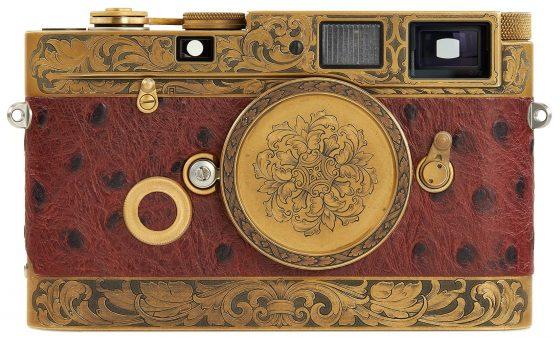 https://leicarumors.com/wp-content/uploads/2019/05/Leica-MP-John-Botte-camera-1-560x341.jpg