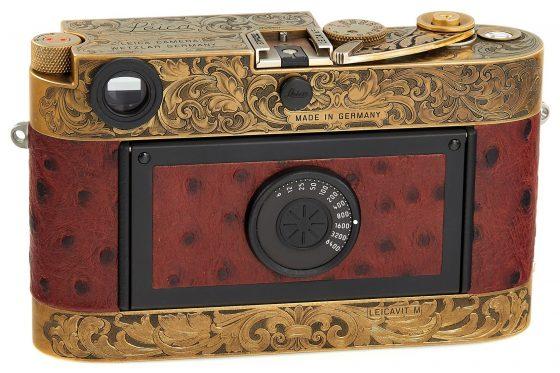 https://leicarumors.com/wp-content/uploads/2019/05/Leica-MP-John-Botte-camera-4-560x373.jpg