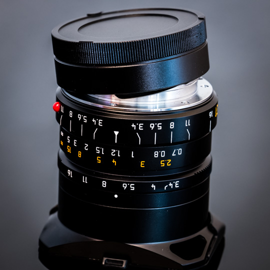 New in the online store: black metal lens caps for Leica M-mount