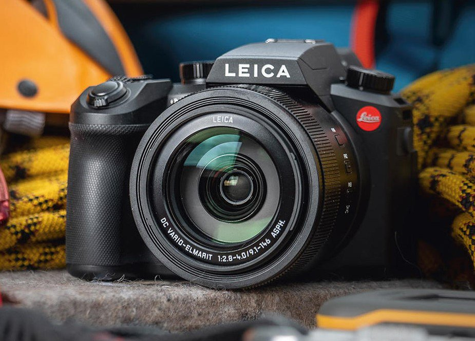 First picture of the upcoming Leica V-LUX 5 camera