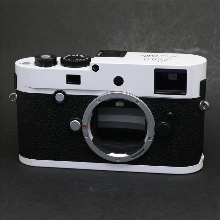 Checkout this Leica M-P Typ 240 Thailand Edition camera at Map Camera - Leica Rumors