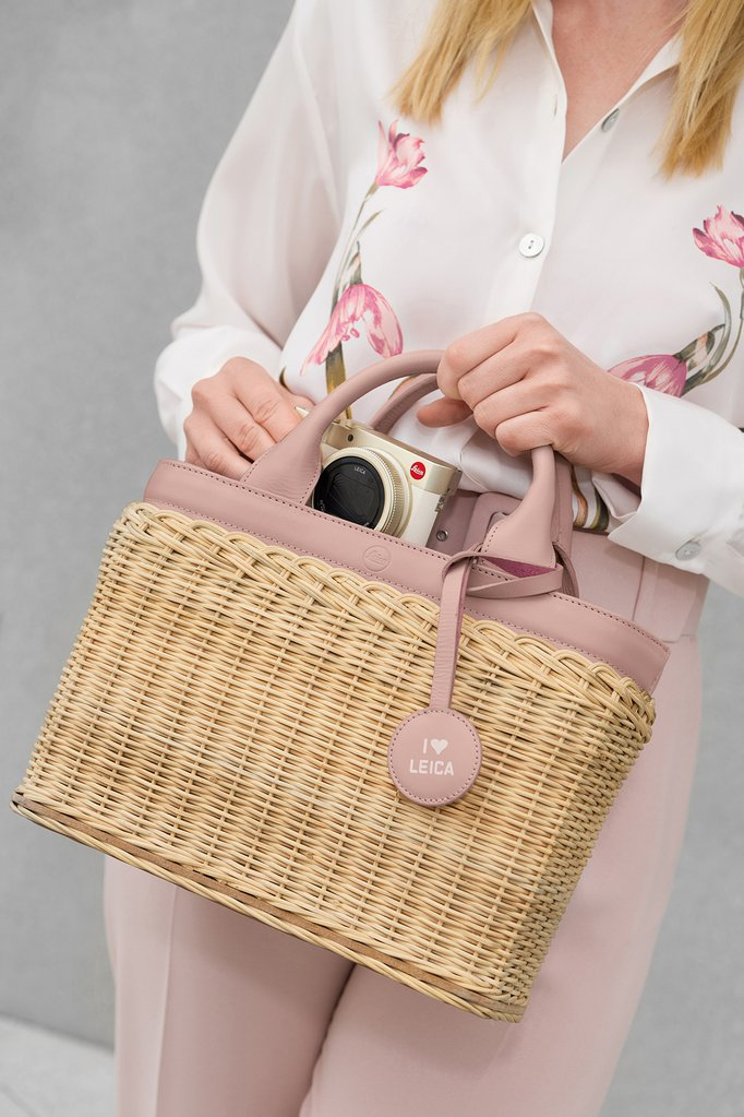 This Leica Wicker Basket is real - Leica Rumors